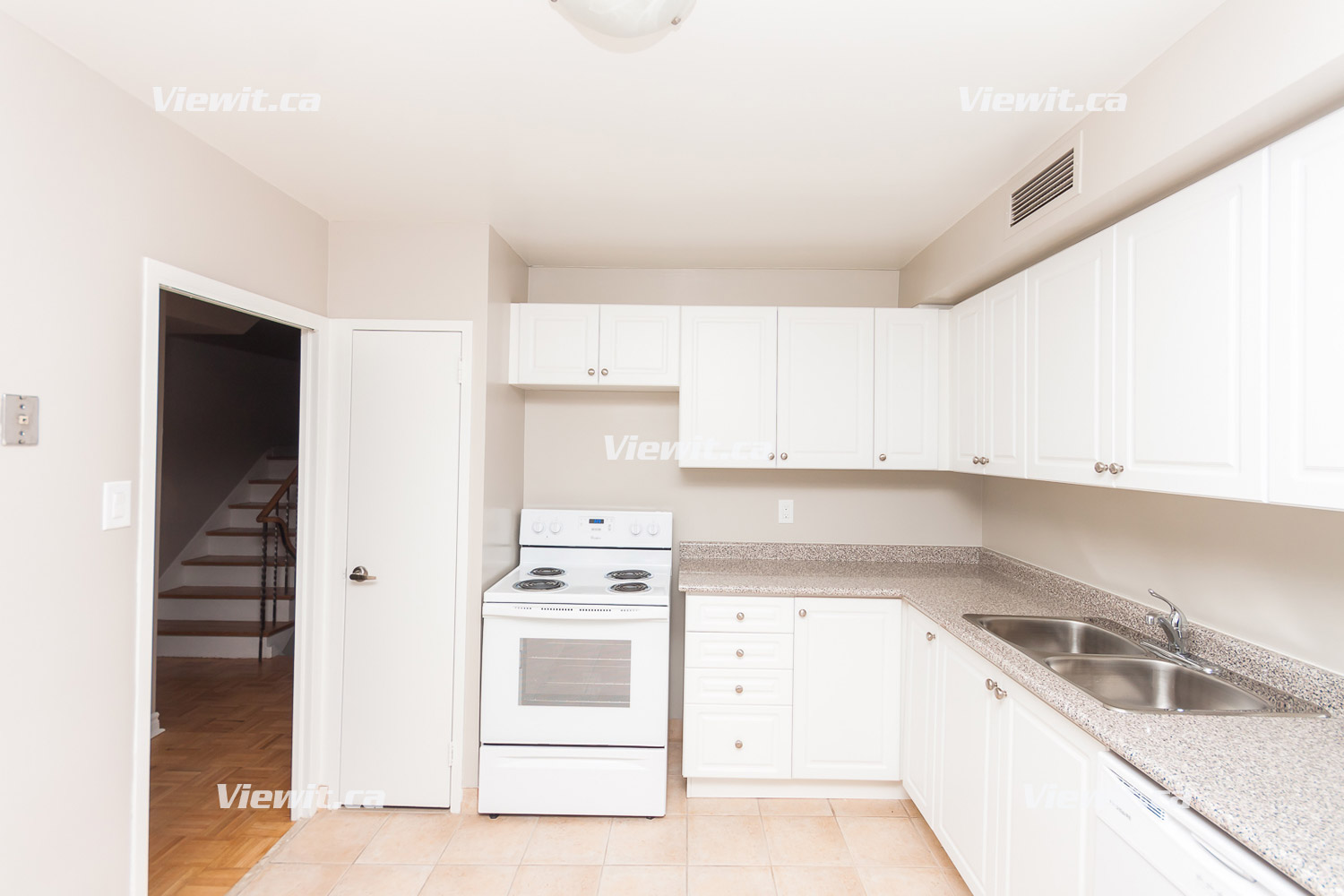 Mount pleasant davisville toronto on 3 bedroom for - 3 bedroom apartments for rent toronto ...