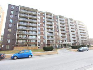 65 75 Halsey Ave East York On 2 Bedroom For Rent