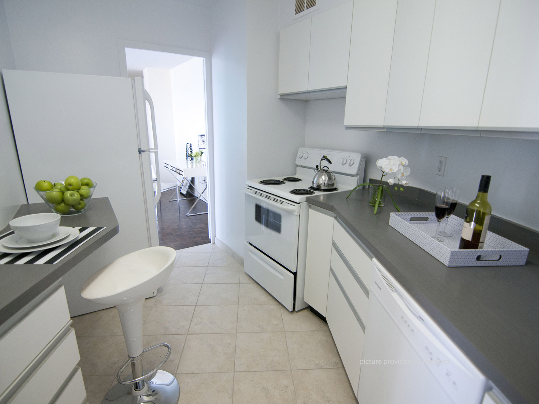 100 Graydon Hall North York On 2 Bedroom For Rent