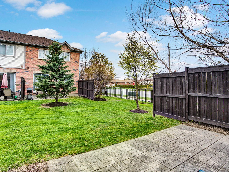 3 Pleasantview Avenue, Brampton, ON : 3+ Bedroom for rent ...