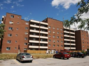 Rental Low-rise 7256 Airport Rd, Mississauga, ON