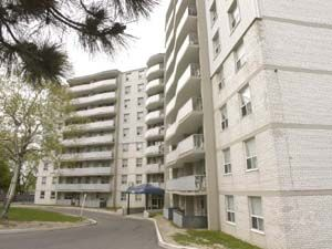 Rental High-rise 3400 Keele St, North York, ON