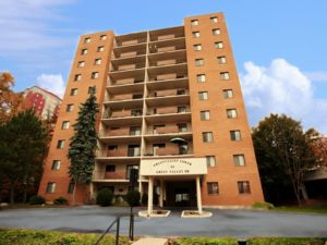 Rental High-rise 85 Green Valley Drive, Kitchener, ON