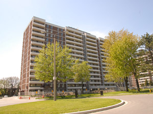 Rental High-rise 20 Aurora Crt, Scarborough, ON