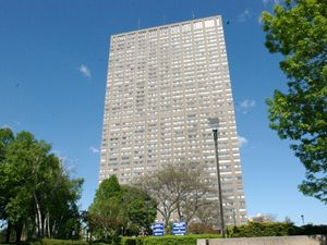 Rental Condo 85 Thorncliffe park Dr, East York, ON