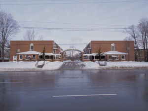 Rental Low-rise 840 Dundas St E, Whitby, ON