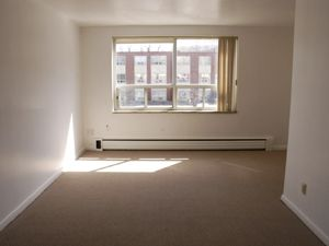 For rent: 195 Wellington St S Hamilton, Bach Viewit |158564