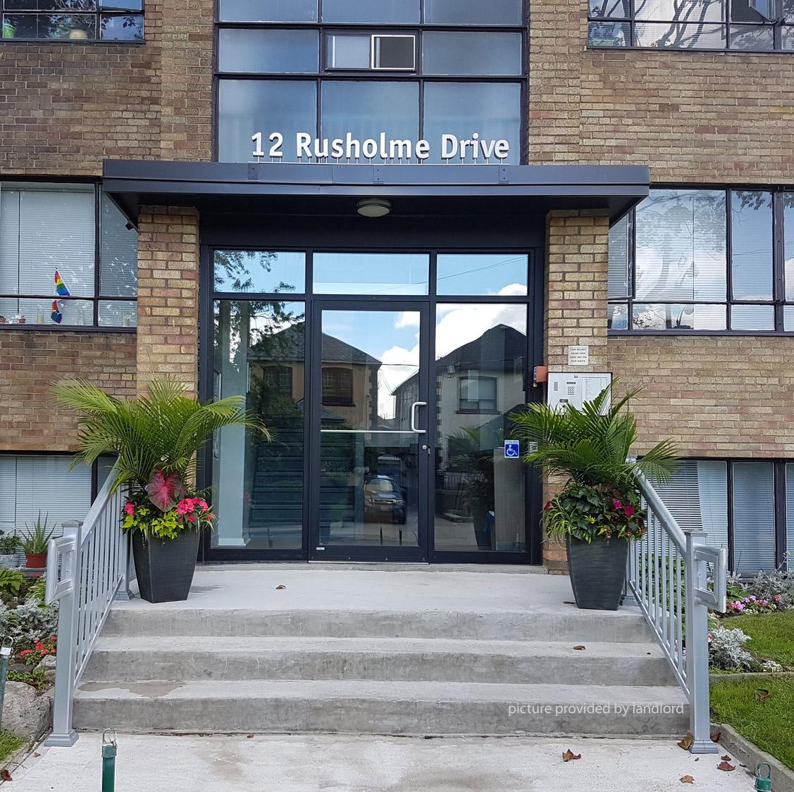 12-14 Rusholme Dr, TORONTO, ON : 1 Bedroom For Rent