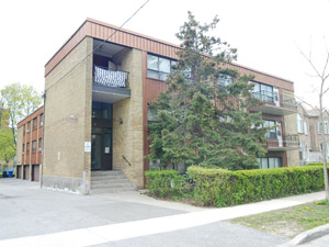 Rental Low-rise 39 Torrens Ave, East York, ON