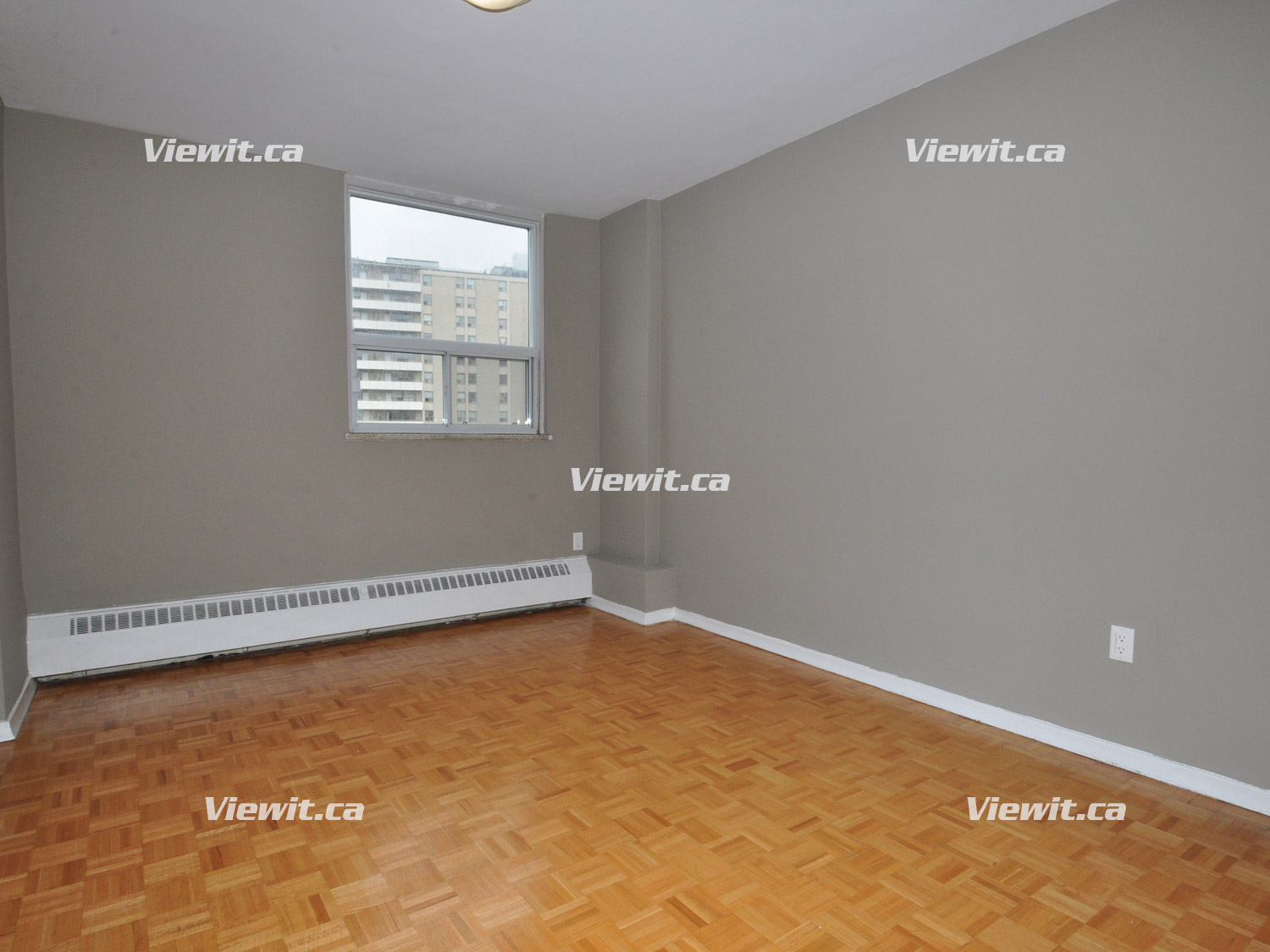 100 Rowena Dr North York On 2 Bedroom For Rent