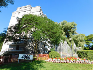 Rental Low-rise 4000 Yonge St, North York, ON