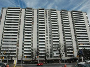 Rental High-rise 6061 Yonge St, North York, ON