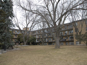 Rental Low-rise 29 Upper Canada Dr, North York, ON