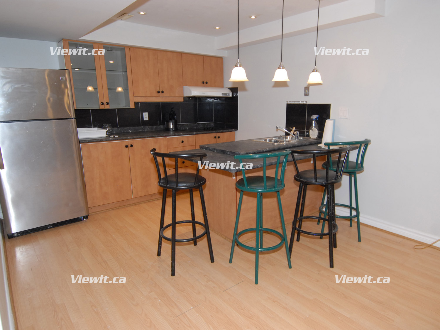 Bayview Major Mackenzie Richmond Hill On 2 Bedroom For