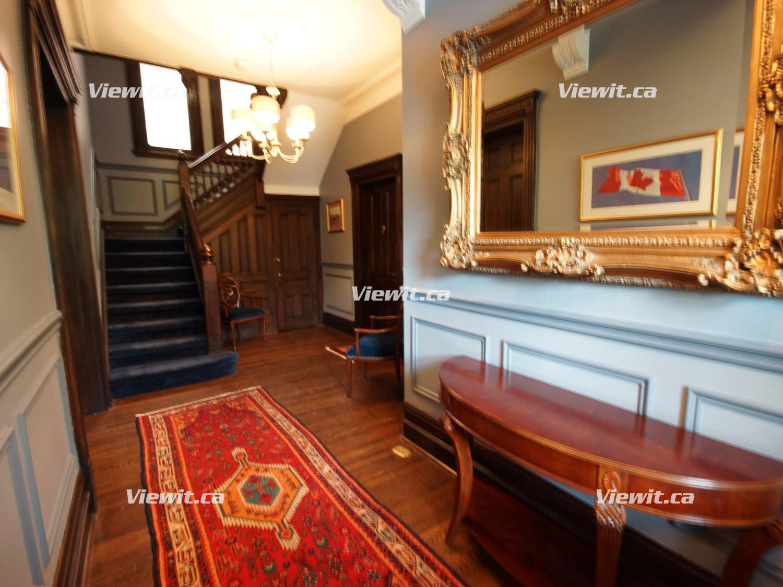For rent: Yorkville-Upper Annex Toronto, 1 bdrm Viewit |54249