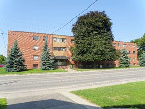 Rental Low-rise 170 Park Rd S, Oshawa, ON