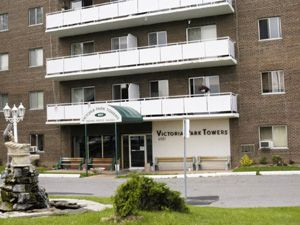 Rental High-rise 6521 Drummond Rd, Niagara Falls, ON