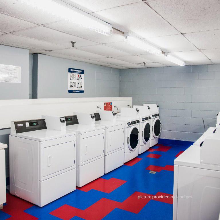 2340 Dundas St W, TORONTO, ON : 1 Bedroom For Rent